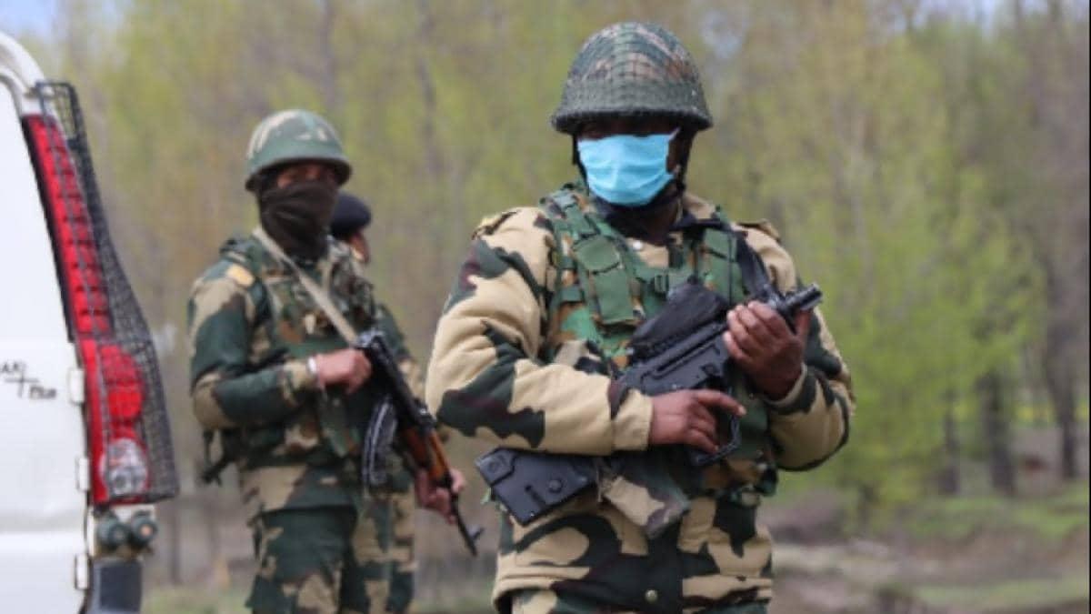 J-K: पुलवामा के पंपोर में CRPF टीम पर आतंकी हमला, दो जवान शहीद, 5 घायल