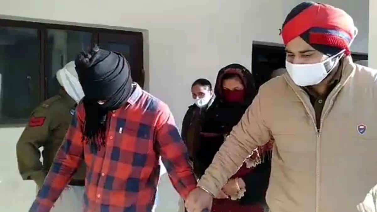 ढाबे में चल रहा था सेक्स रैकेट, मालिक को पुलिस ने ही दे रखे थे गनमैन