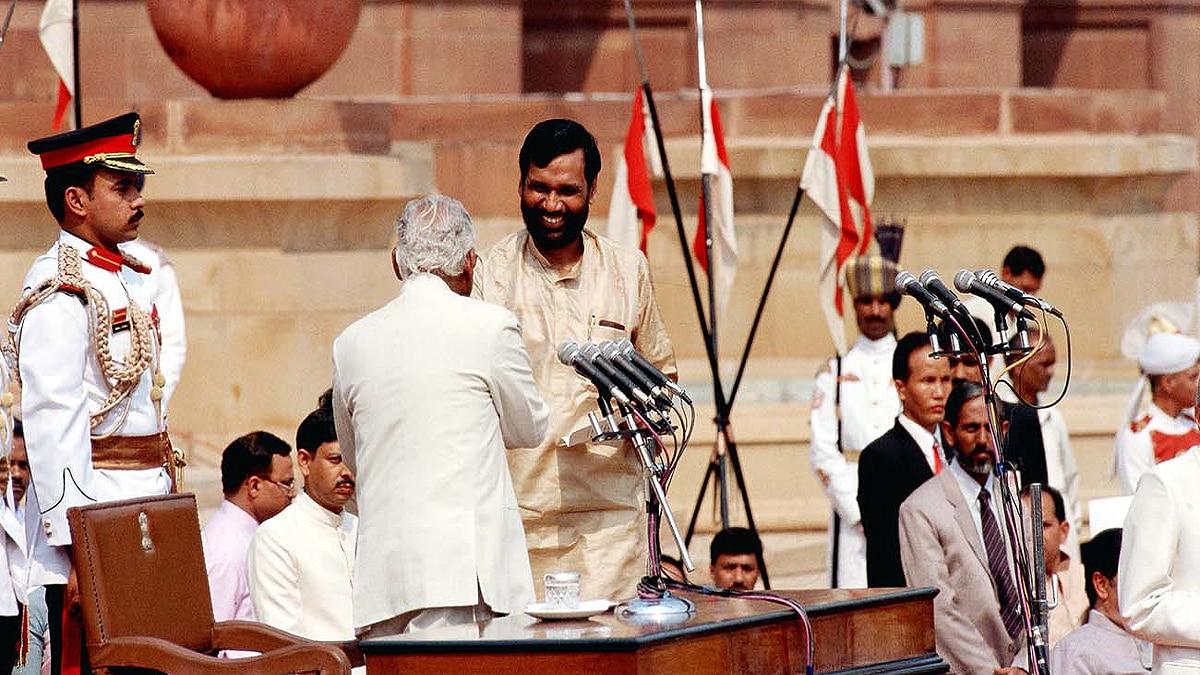 Ram Vilas Paswan Died first election no money Khagaria Bihar