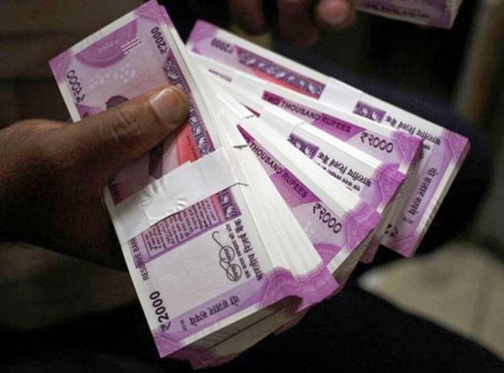 हर दिन करीब 22 करोड़ रुपये का दान