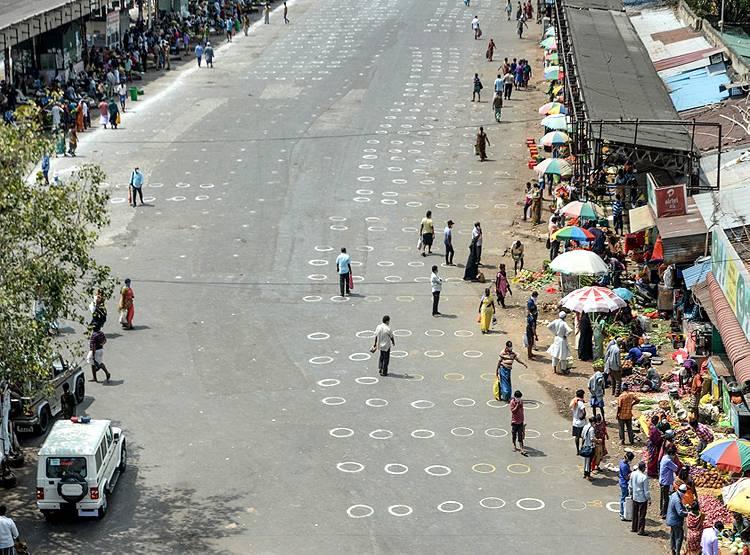 दिल्ली में दिखी भयानक भीड़