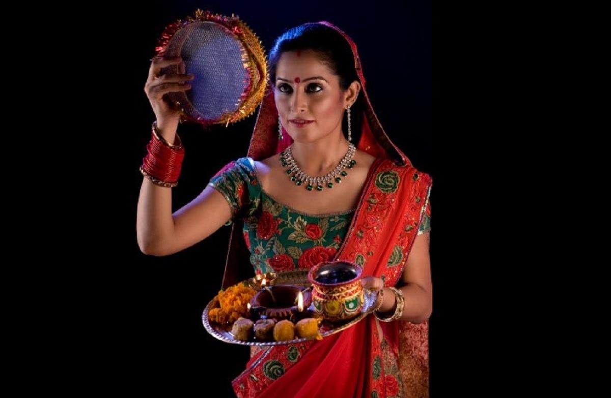 Karwa chauth 2020: अगर हैं ये बीमारियां तो ना रखें करवा चौथ का व्रत, प्रेग्नेंट महिलाओं को भी नहीं लेना चाहिए रिस्क