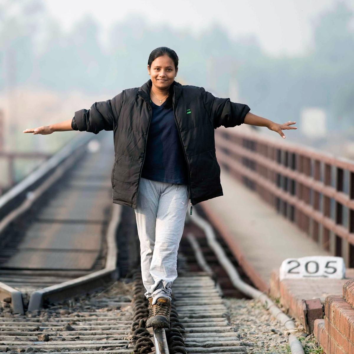 KBC का सलाम: हादसे में खोए पैर, फिर भी हौसले से फतेह किया माउंट एवरेस्ट -  Television AajTak