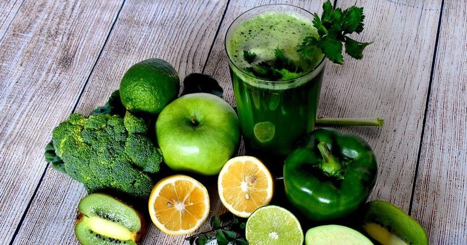 Healthy foods: सब्जियां पकाकर खाने से कई गुना ज्यादा फायदेमंद है इनका जूस