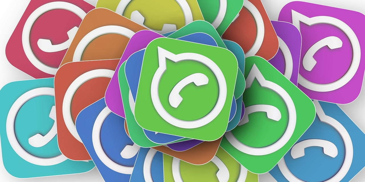 WhatsApp feature custom wallpaper