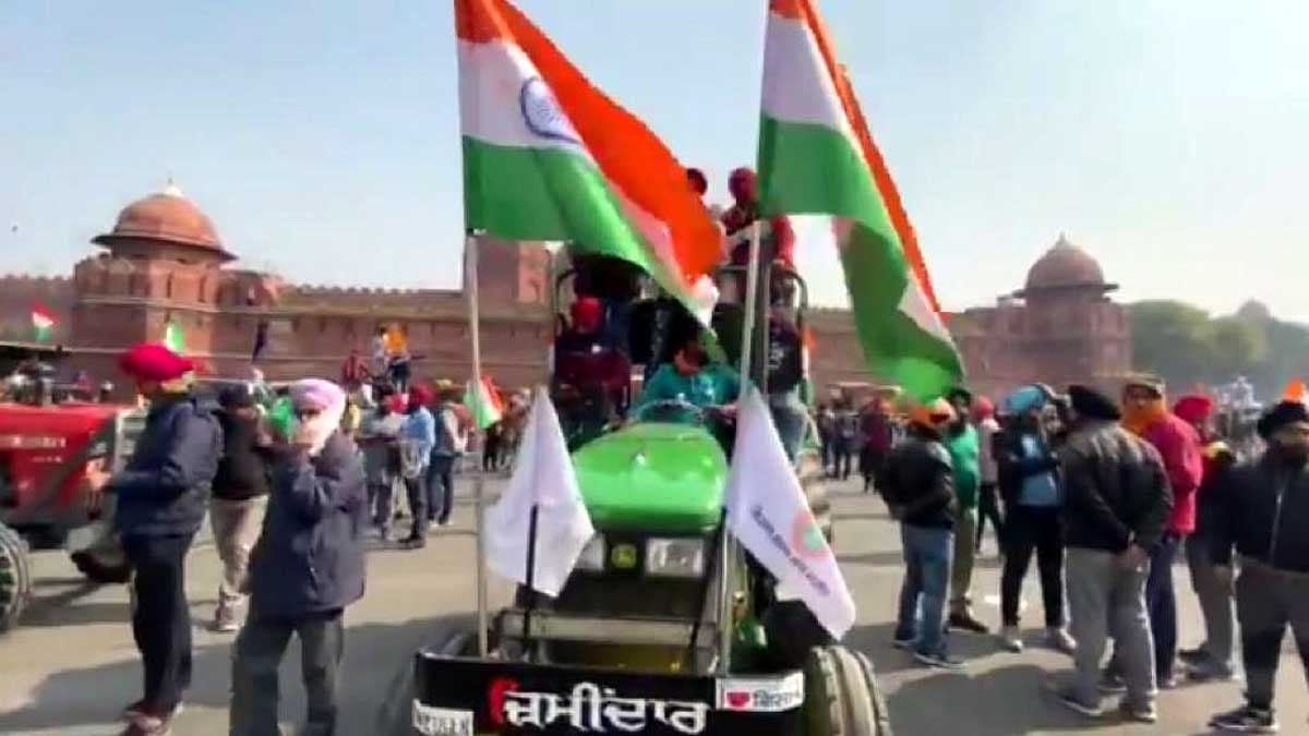 Protesting farmers at Red Fort