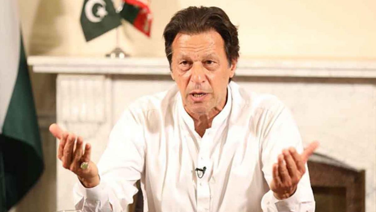 इमरान खान बुरी तरह झल्लाए, बोले- हम तालिबान के प्रवक्ता नहीं