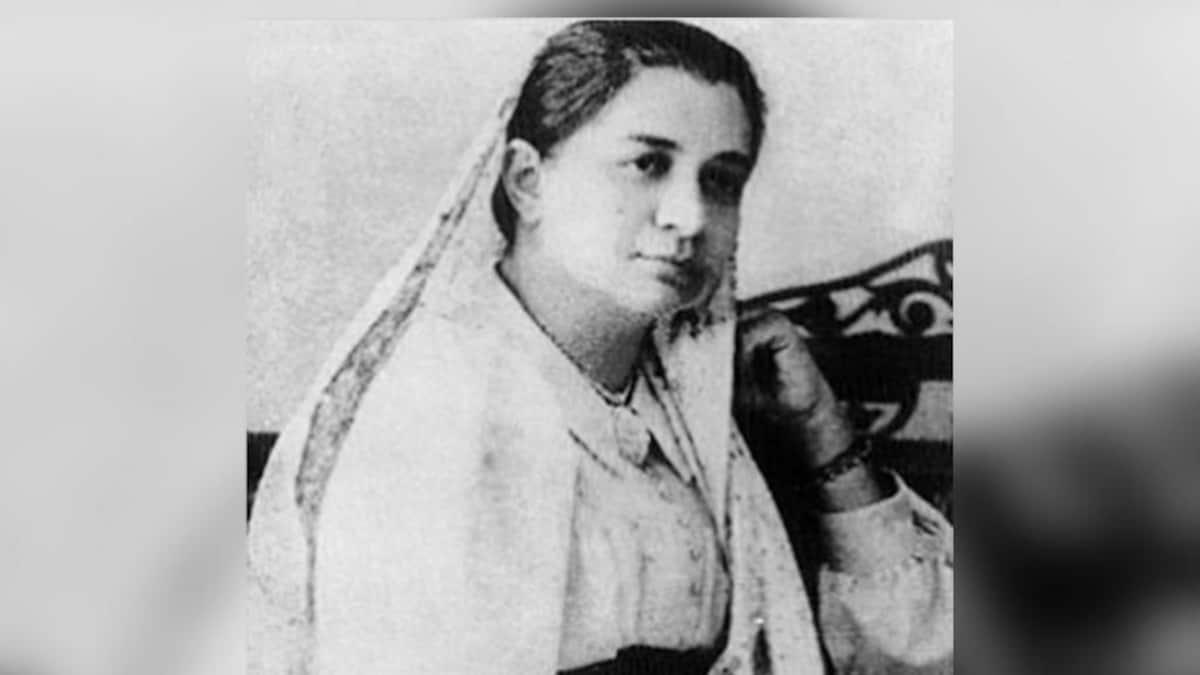 111 साल पहले इस महिला ने विदेश में पहली बार फहराया था भारत का झंडा - bhikaji  cama and the story of the first indian flag hoisted on a foreign land when