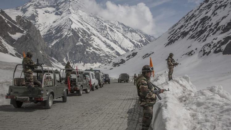 LAC पर जारी तनाव के बीच आज छठी बार चीन और भारत के बीच होगी कमांडर स्तर की बातचीत