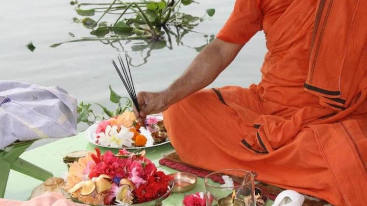 जानें कब से शुरू होगा पितृपक्ष? पितरों का आशीर्वाद पाने के लिए इस तरह करें  श्राद्ध - pitru paksha 2020 date time shraadh vidhi pindadaan tlifd - AajTak