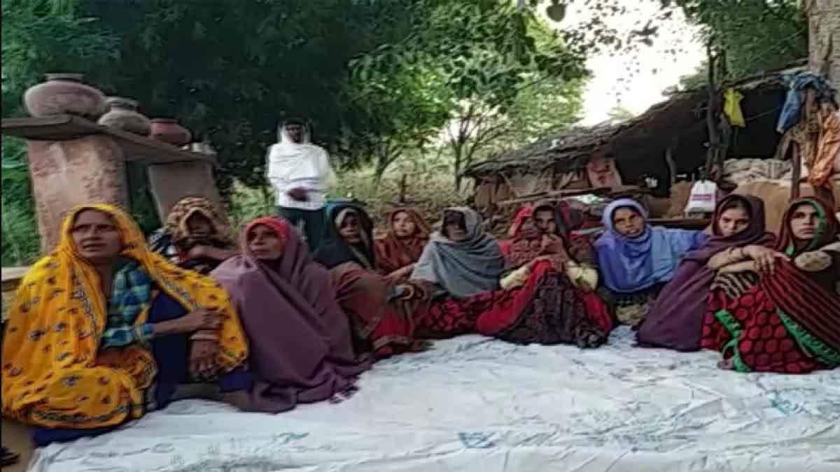 राजस्थान: करौली में जिंदा जलाए गए पुजारी के दाह संस्कार से इनकार, 50 लाख मुआवजा-नौकरी की मांग