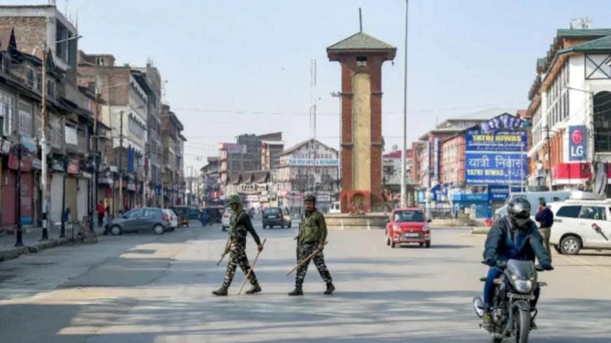 जम्मू-कश्मीर में जमीन खरीदने को लेकर बड़ा फैसला (फाइल: PTI)