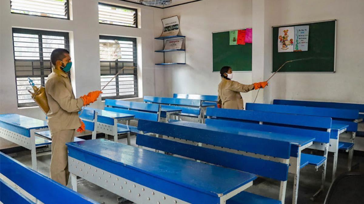 कोरोना: यूपी-पंजाब में आज से खुलेंगे स्कूल, इन गाइडलाइंस का करना होगा पालन