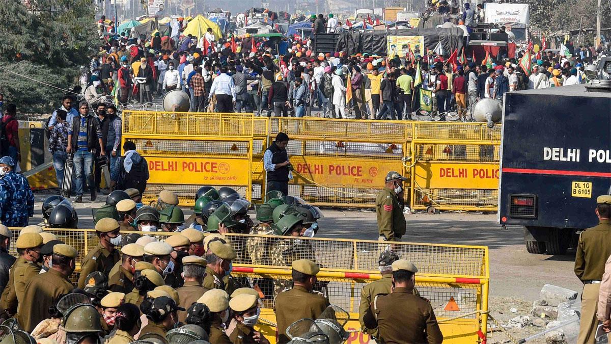 किसान आंदोलन: सिंधु बॉर्डर बवाल में दिल्ली पुलिस का एक्शन, दंगा समेत कई धाराओं में FIR