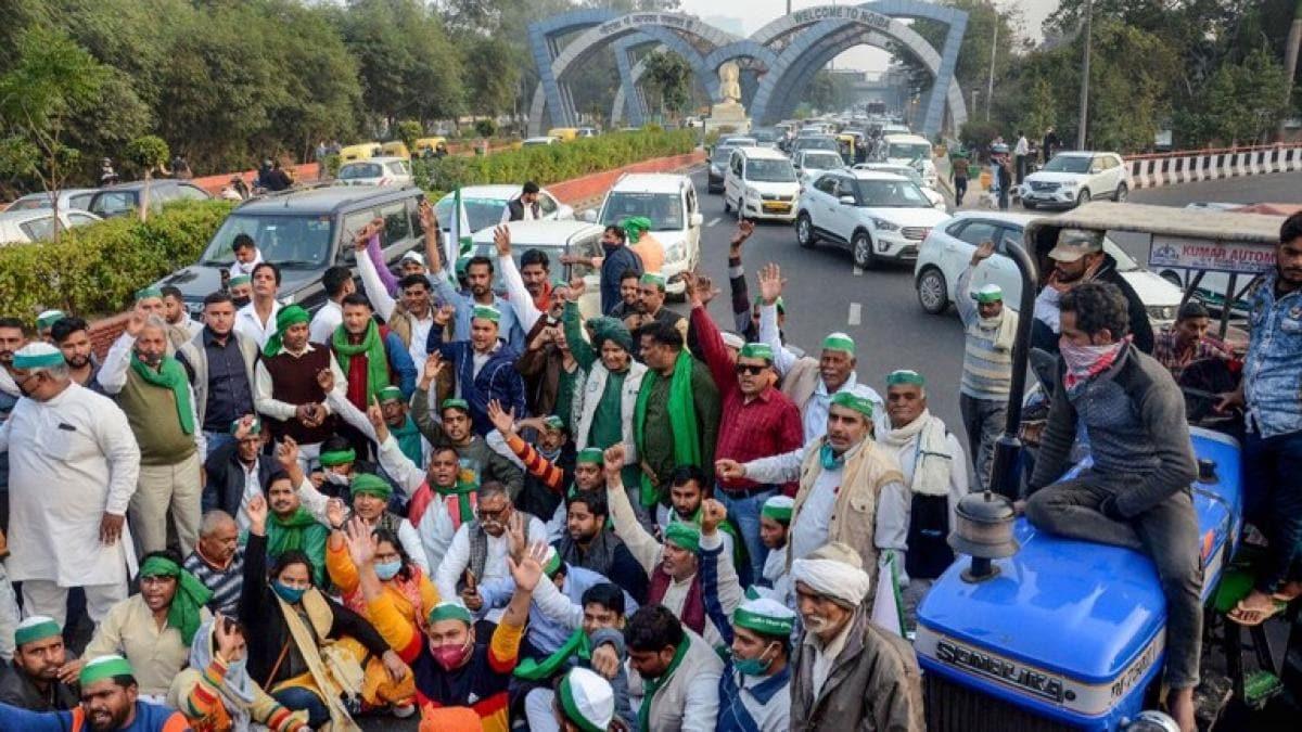 किसान आंदोलन: सरकार के साथ नहीं बनी बात, दिल्ली बॉर्डर पर डटे हैं किसान,  पुलिस मुस्तैद - Farmers talks with government protest delhi border updates  msp mandi - AajTak