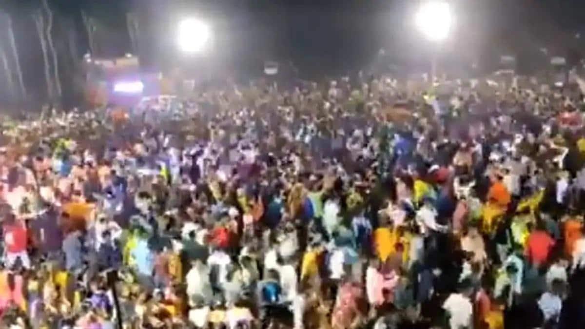 गुजरात: BJP नेता और पूर्व मंत्री बेटे समेत गिरफ्तार, कोरोना नियमों का उल्लंघन कर सगाई में जुटाए थे 6 हजार लोग