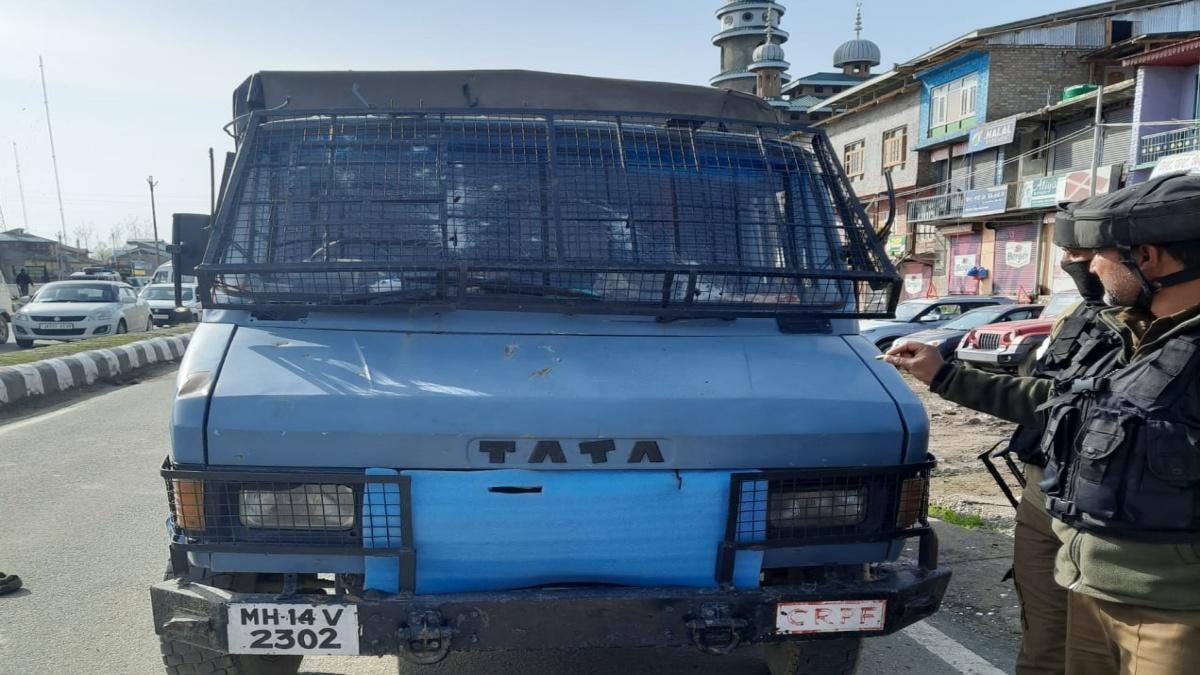 श्रीनगर में CRPF टीम पर हमला