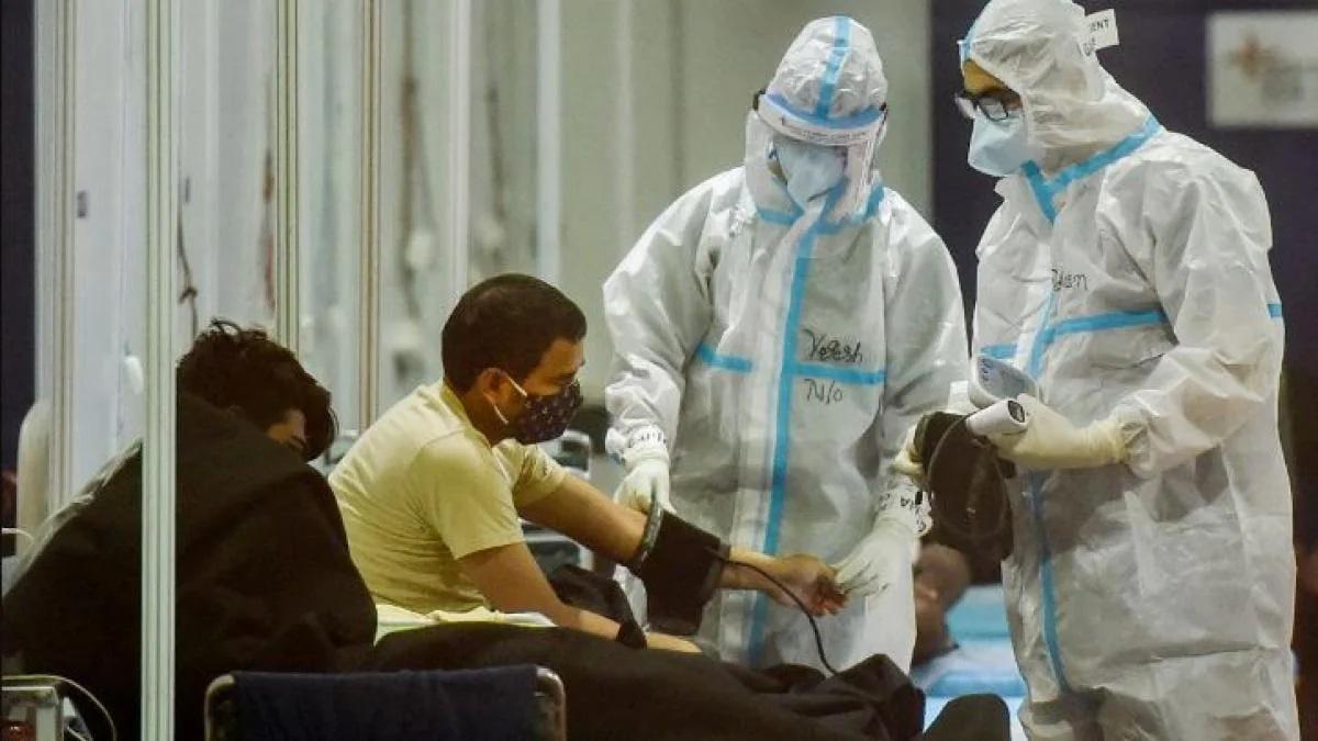 दिल्ली में कोरोना के डरावने आंकड़े, 24 घंटे में 17,282 नए केस, 104 लोगों की मौत - Corona Virus Cases Spike in Delhi 17282 new Cases reported in Last 24 Hour - AajTak