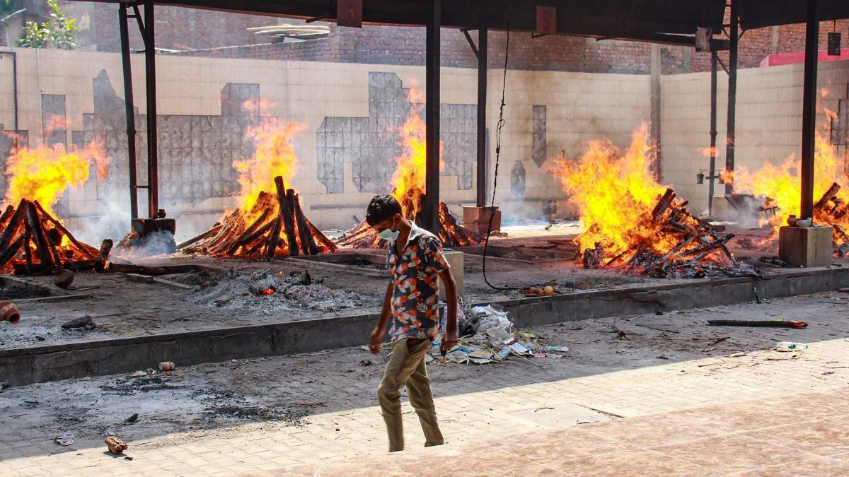 हरियाणा के गुरुग्राम के श्मशान घाट की तस्वीर (PTI)