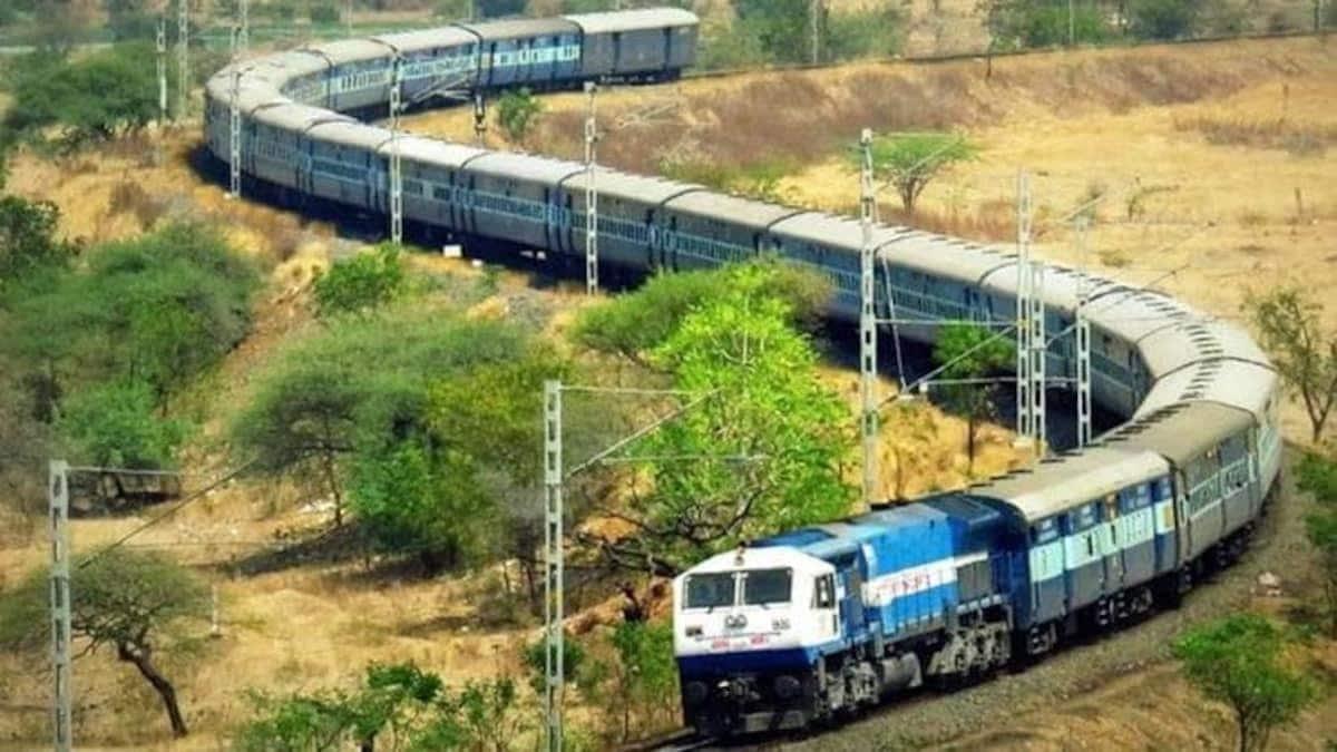 Corona Effect : भारतीय रेलवे ने शताब्दी समेत कई ट्रेनें की रद्द, जानिए किन  रूटों पर कैंसिल - Indian Railways northern railway cancel shatabdi  passenger special trains on UP uttarakhand and delhi
