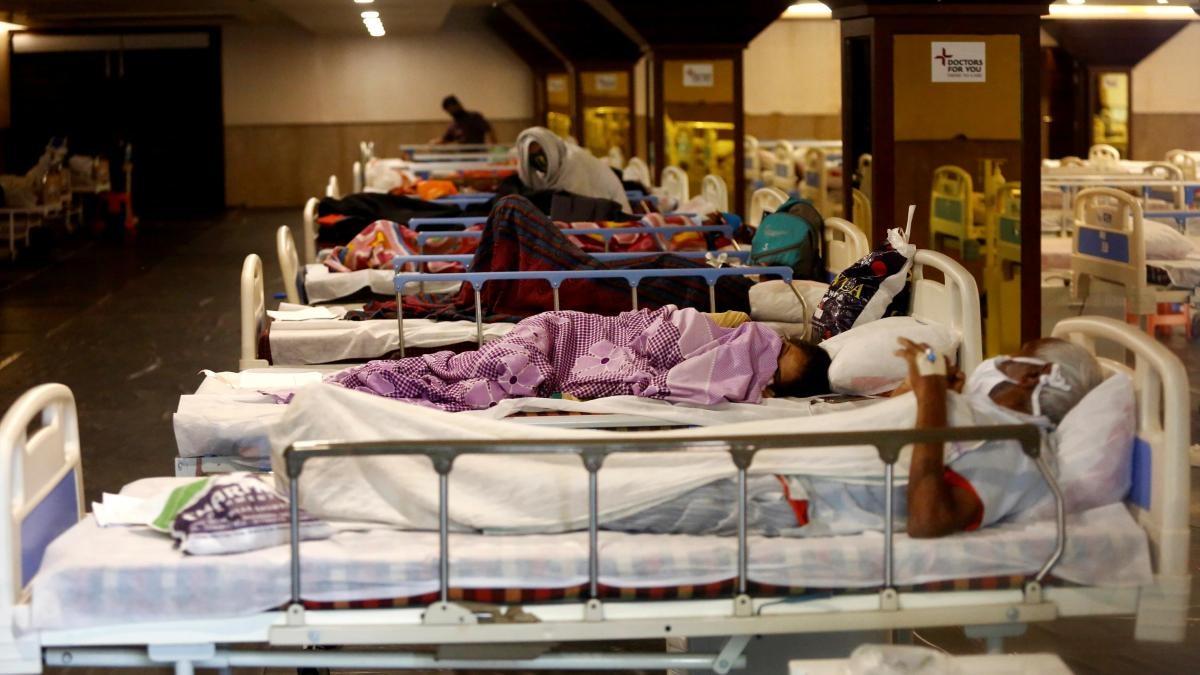 Exclusive: दिल्ली के अस्पतालों में बेड नहीं! केजरीवाल के दावों की पोल खोलती है ये रिपोर्ट - Corona Delhi Covid dedicated hospital reality Check No Bed Available CM Arvind Kejriwal - AajTak