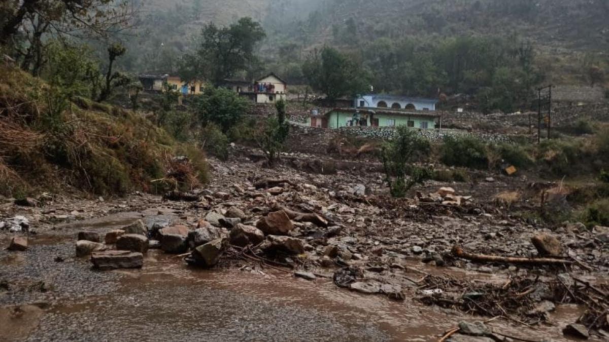 उत्तराखंड: टिहरी, उत्तरकाशी और रुद्रप्रयाग जिले में फटा बादल - Uttarakhand Cloud burst in Tehri uttarkashi and Rudraprayag - AajTak