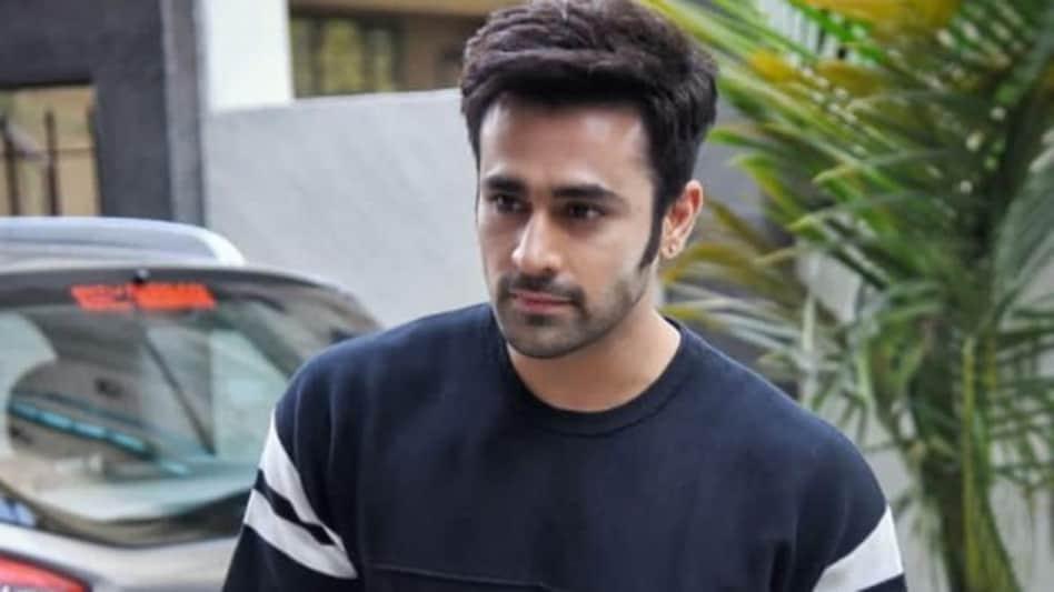 नागिन 3 फेम एक्टर पर्ल वी पुरी गिरफ्तार, रेप और छेड़छाड़ का केस दर्ज - naagin  fame tv actor pearl v puri arrested on rape and molestation case tmov -  AajTak