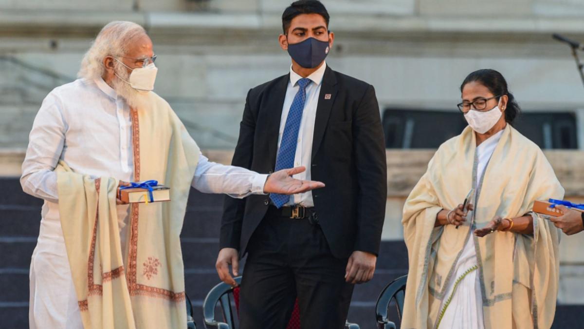 PM Narendra Modi and Mamata Banerjee (File-PTI)