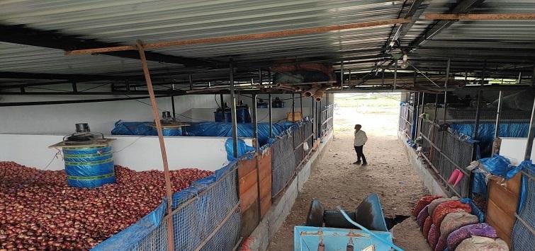 Farmer of Madhya Pradesh creates own cold storage( Image credit: Narendra Patidar)