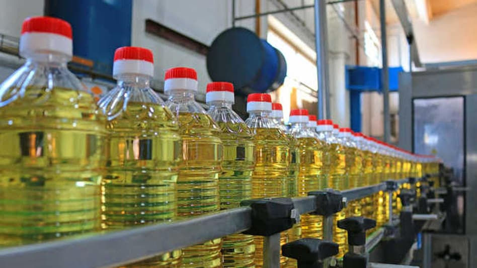 Retail edible oil prices to start softening from Dec: Food Secretary Sudhanshu Pandey - BusinessToday