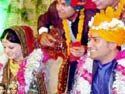 Dhoni gets married to Sakshi