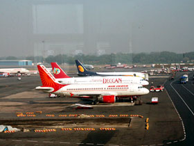 Govt warns airlines on fare hike