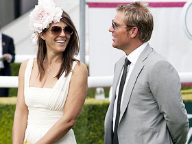 Warne and Hurley may marry soon