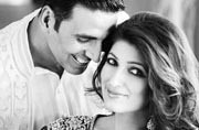 WATCH: Akshay Kumar and Twinkle Khanna dancing around Christmas tree is the cutest thing you