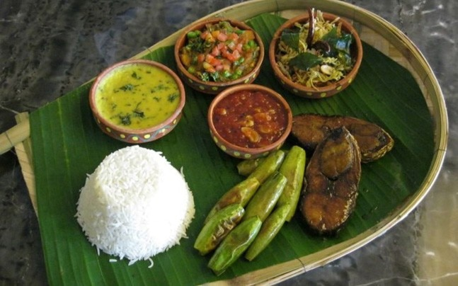 5 places in Delhi where you can taste Bengali food, because