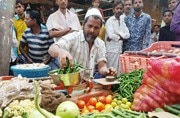 Weavers in Narendra Modi's constituency rue demonetisation as he hails it