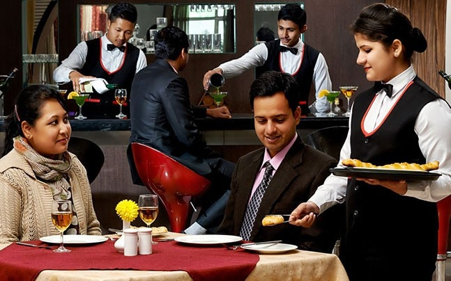 5 reasons you should choose Hotel Management for a successful career