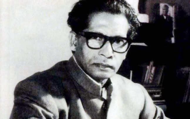 8 heartfelt quotes by Harivansh Rai Bachchan that will make you look