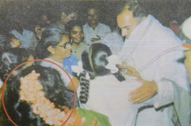 Dhanu, moments before Rajiv Gandhi's assassination in Sriperumbudur