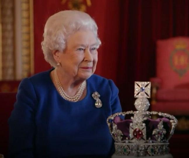 How much is Queen Elizabeth II's crown worth? - Lifestyle News