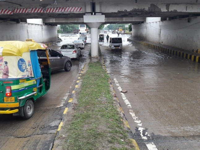 Heavy rains lash Delhi-NCR, Water logging reported from