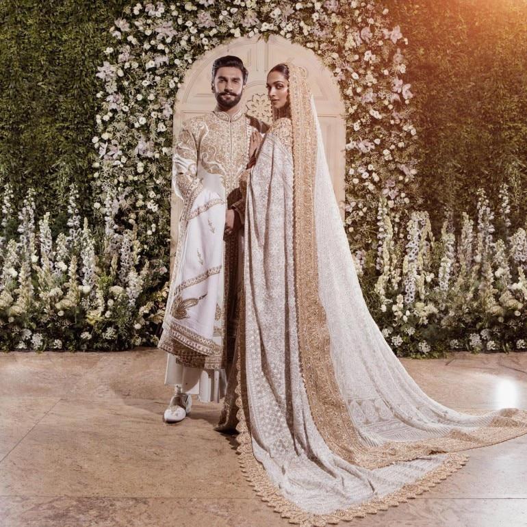 Deepika And Ranveer Mumbai Wedding Reception First Photos Movies News