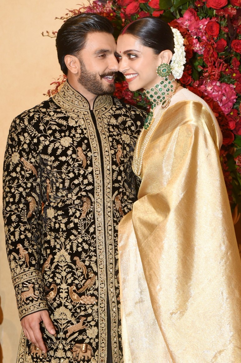91616795fe Even when they returned to India, they were a vision in ethnic wear.  Deepika looked like a very happily married traditional Sindhi bride with  chooda and ...