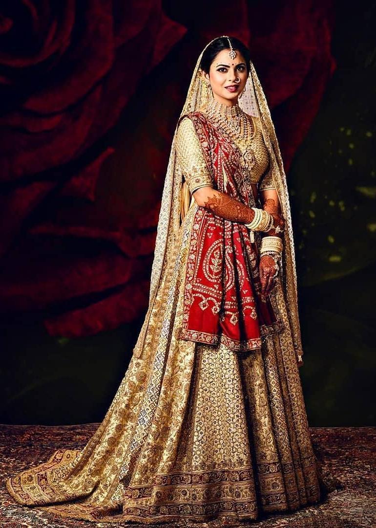 Isha Ambani's wedding lehenga making video is jaw-dropping. Seen it yet? - Lifestyle News