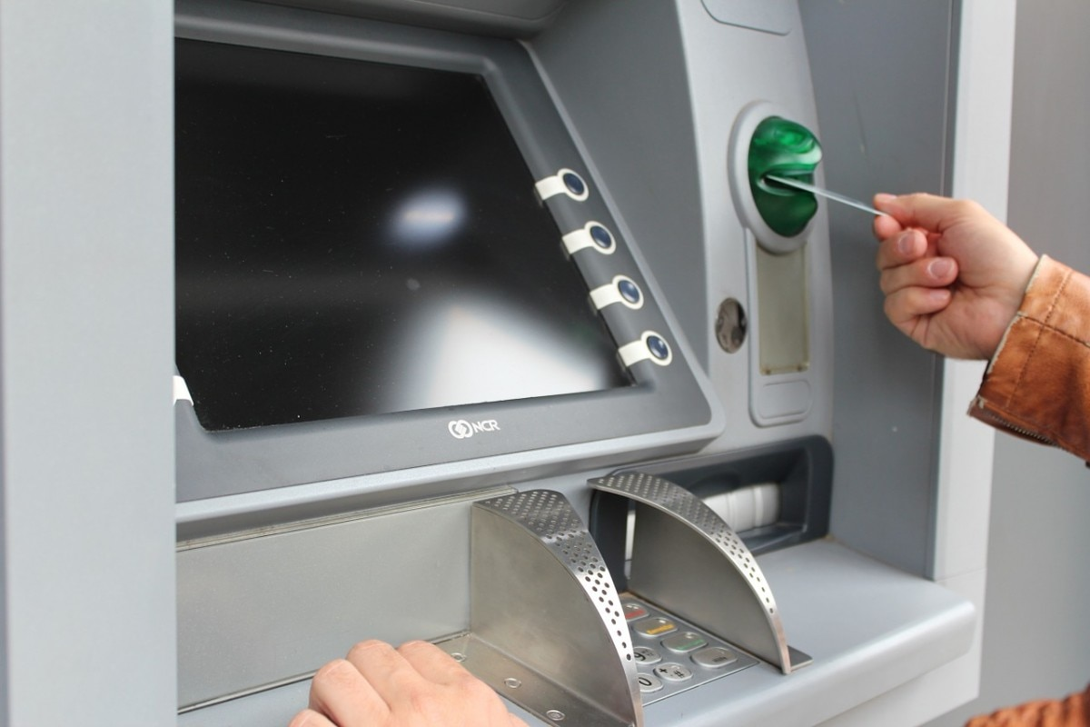 How to use an ATM to deposit cash: A complete guide
