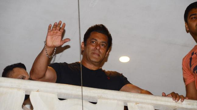 The visibly emotional Salman Khan appeared on the terrace of his apartment and waved at his fans. Photo: India Today