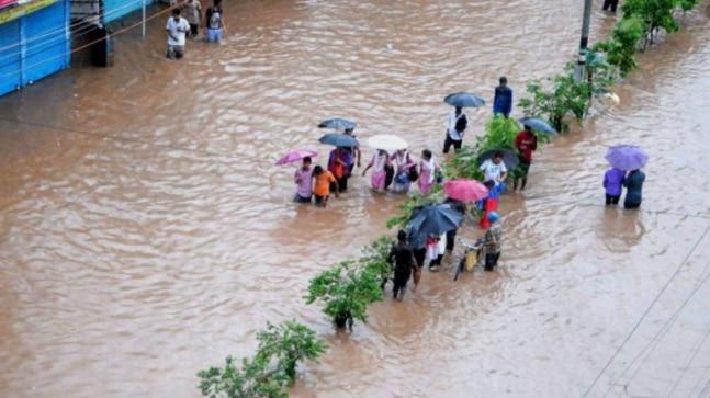 Monsoon Live Updates: Red alert in Kerala, water recedes in Kartnataka districts