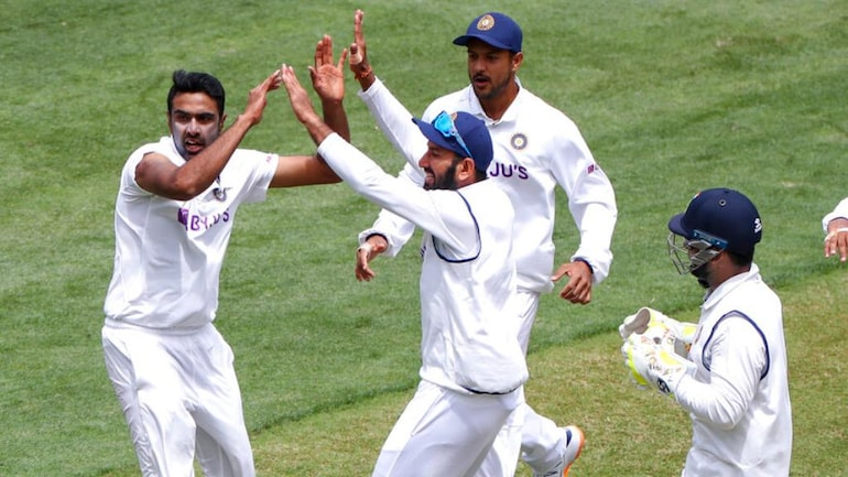 India (IND) vs Australia (AUS) 2nd Test Day 1 highlights: Australia fall  apart as Paine, Wade and Head depart - India Today