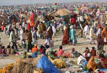 Pilgrims flock at Ganga Sagar