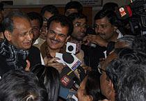 Gehlot addresses media in Jaipur